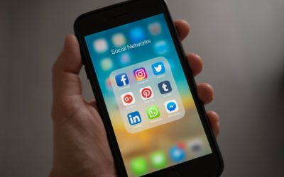 How can organizations use social media in order to improve communication?